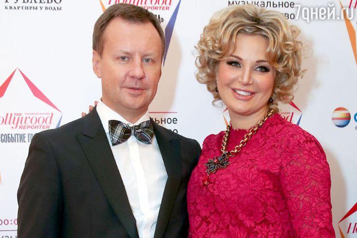Убит муж Марии Максаковой Денис Вороненков.  На  этой  фотографии  они  рядом,  счастливые  и  невредимые.