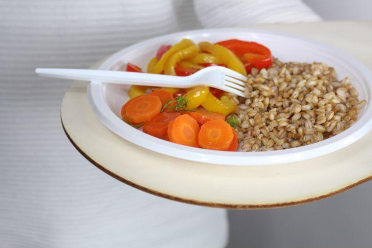 POLLICINO Vassoio porta piatto ecologico, nella variante in legno. Riciclabile 100%. www.futility.it