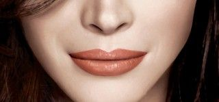 A lip gloss is a must have if you want to throw in that glamour element to your lips. Here is a list of the best maybelline lip gloss available in the market.