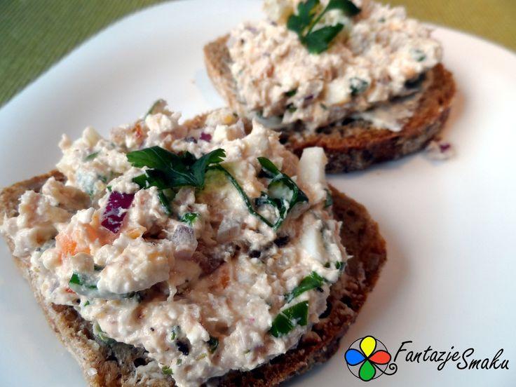 Pasta twarogowa z tuńczykiem, jajkiem i suszonymi pomidorami  http://fantazjesmaku.weebly.com/pasta-twarogowa-z-tu324czykiem-jajkiem-i-suszonymi-pomidorami.html