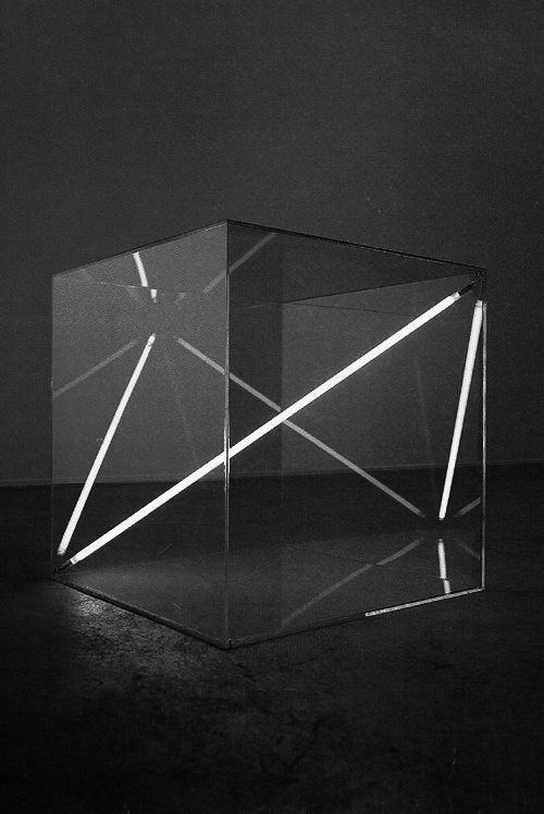 Boundless I, 1975 - Acrylic glass cube, 68 x 68 x 68 cm - Dualtone argon lighttube by Christian Herdeg
