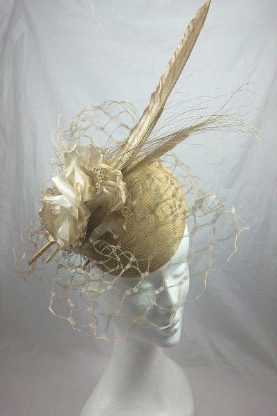 'Elis' Gold Headpiece via Suzie Mahony Designs. Click on the image to see more!