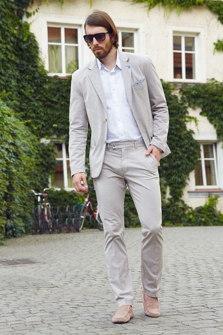 Summer men look. White shirt with light beige blazer&trosuers. Smart casual look. http://www.roy.eu/