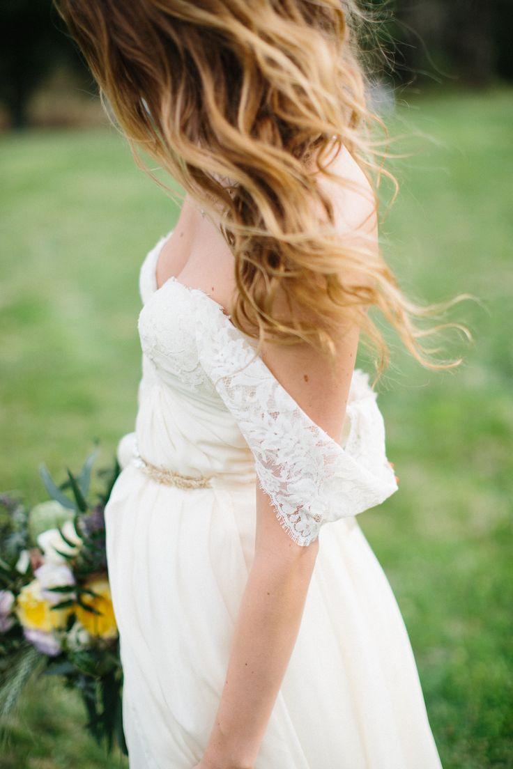 off the shoulder wedding dress | itakeyou.co.uk