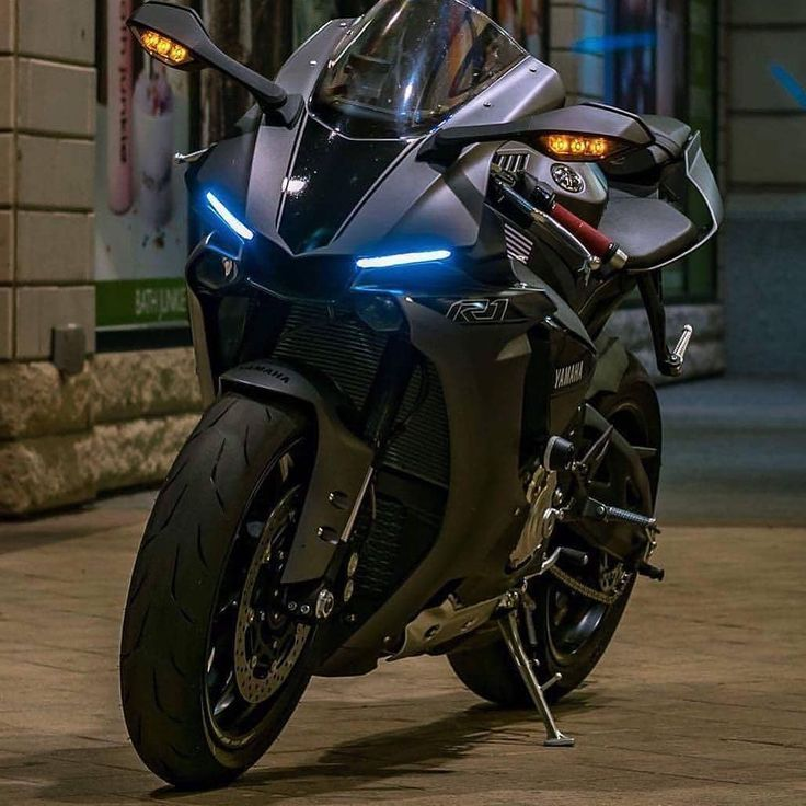 Yamaha R1 Yamaha Bikes Sport Bikes Sports Bikes Motorcycles