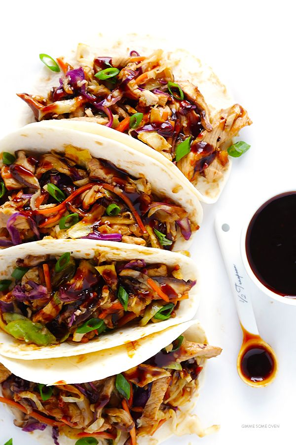 Learn how to make restaurant-quality Moo Shu Pork (or Moo Shu Chicken!) at home in just 20 minutes. So easy, so fresh, and soooo good! | gimmesomeoven.com