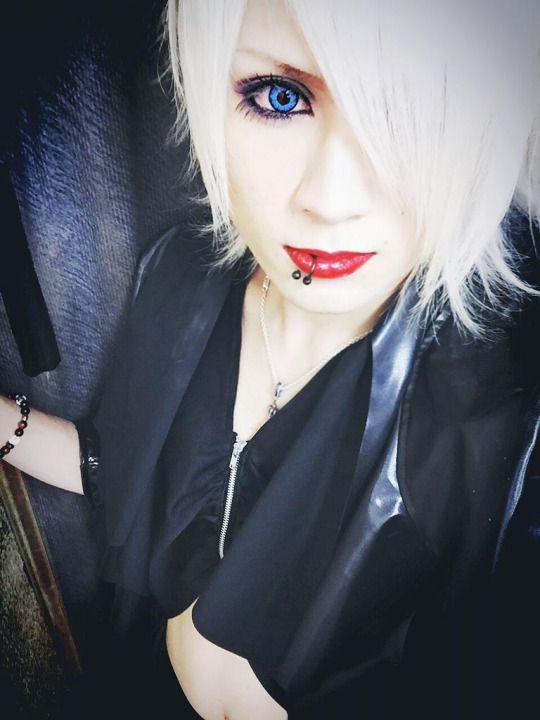 Itsuki(The Black Swan)