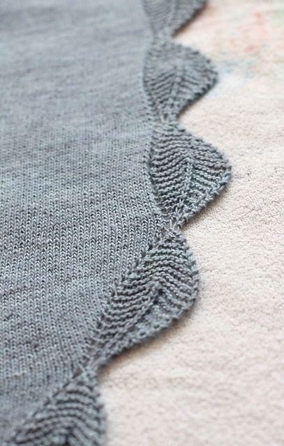 Leafed Edge Simple Shawl - Free Knitting Pattern