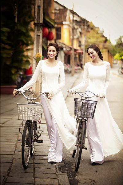 The traditional #AoDai - the national dress for women in Vietnam... truly stunning