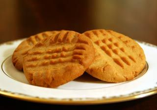 Easy to make, classic peanut butter cookie recipe, made with flour, sugar, butter, egg, and peanut butter.