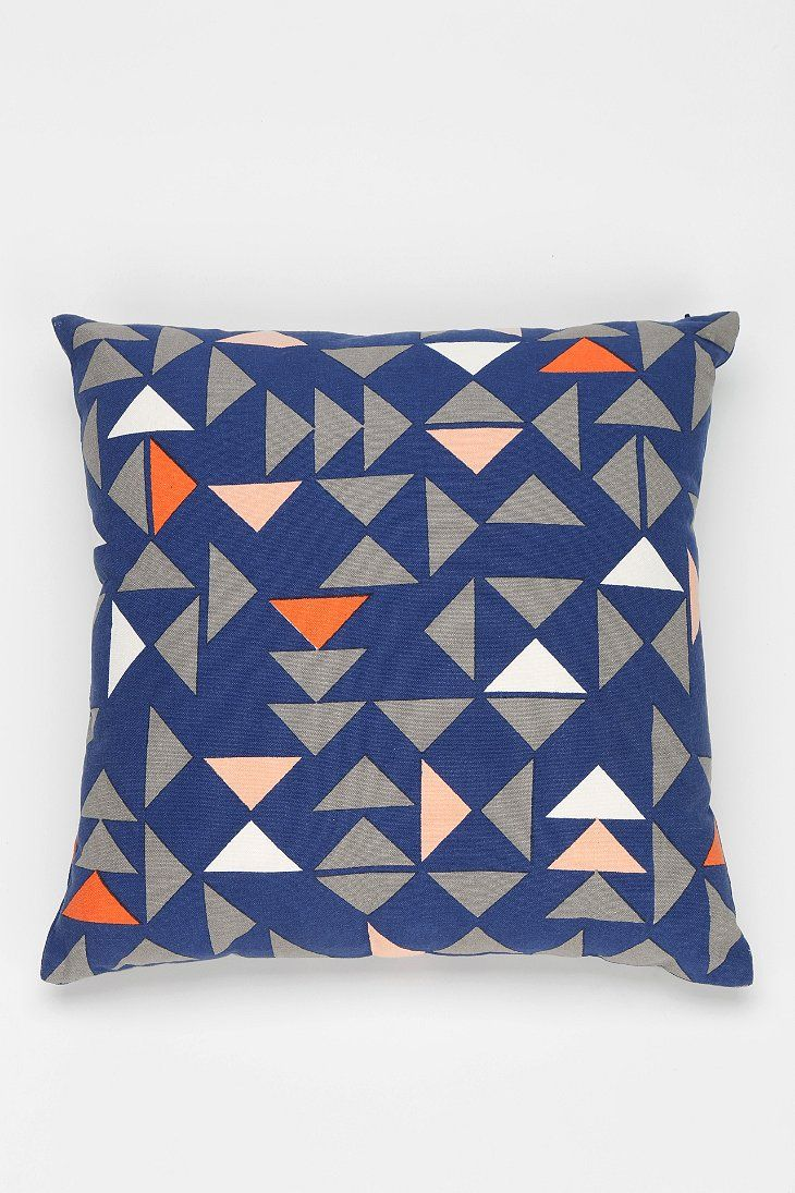 Throw Pillows Urban Outfitters : 80 best images about Round-Up: Pillows on Pinterest Urban outfitters, Zara home and Pillow covers