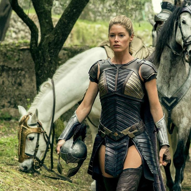 "185.4k Likes, 1,310 Comments - Doutzen Kroes (@doutzen) on Instagram: ""#venelia #wonderwoman #wonderwomanfilm"""
