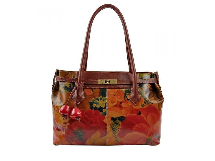 Floral print Guadalupe! #floralprint #floral #springfashion #springstyle #handbags #bags #carteras #spring #fashion #style #summer #summerstyle We ship worldwide.