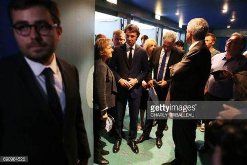 05-31 Francois Baroin ©, French right-wing Les Republicains... #chantemerlelesgrignan: 05-31 Francois Baroin ©,… #chantemerlelesgrignan