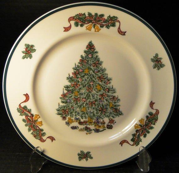 Johnson Brothers Victorian Christmas England Dinner Plates 10 1 4 Black Mark Staffordshire Set Of F Victorian Christmas Christmas Dinner Plates Dinner Plates