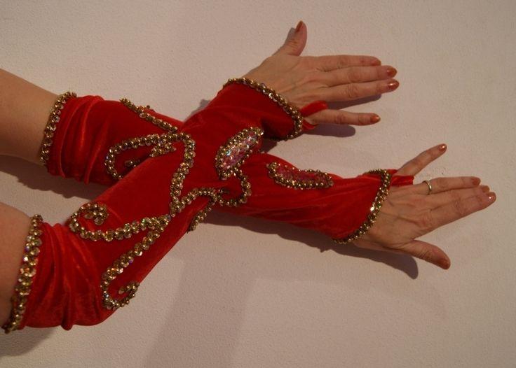 Handschoenen fluweel ROOD met GOUDEN kralen en pailletten H2g-fluw - RED velvet gloves, GOLD decorated
