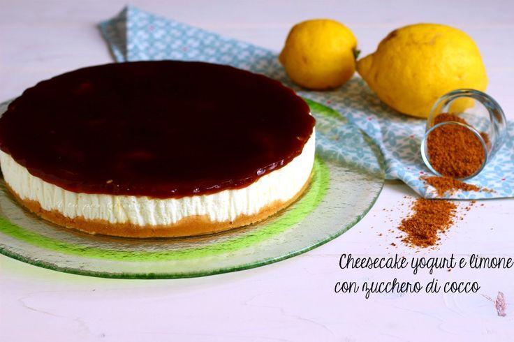 La cheesecake yogurt e limone con zucchero di cocco è un dolce senza cottura, fresco e facile da realizzare.Ideale per concludere pranzi e cene con amici Per la RICETTA clicca qui ->  http://blog.giallozafferano.it/atupertuconmarilu/cheesecake-yogurt-e-limone-con-zucchero-di-cocco/  #atupertuconmarilù #gialloblog