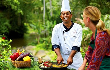 LET'S cook just like Balinese. You will learn to cook Indonesian and Balinese favourites like Nasi Goreng, Gado-Gado, Babi Guling, and many more. BOOK NOW and prepare yourself for a real cooking Experience. #Bali #Seminyak  #holiday  #honeymoon  #tonysvilla #balimagic