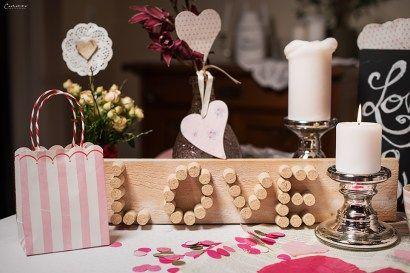 Valentinstag, Deko, DIY, Herzen, Papierherzen, romantischer Abend, Valentin, Rezepte, Herzen, TIschdeko, Tischdekoration, Kerzen, Rosa, Blumen, Blüten, Rosen, rosa, Geschirr, Valentinstags Deko, Valentinstags Dekoration,