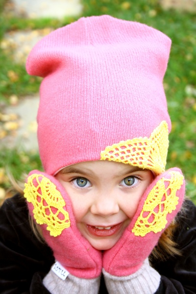 Loru - beanie and mittens from recycled woolen sweaters and vintage doilies