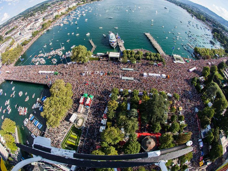 The biggest techno parade in Europe, the Streetparade, is taking place on Saturday 2 August with hundred thousands of visitors.
