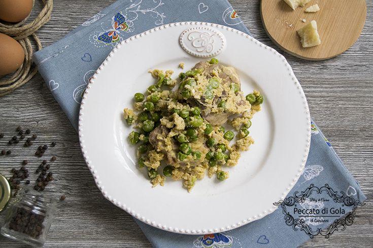 L'agnello con i piselli è un secondo piatto tipico della cucina campana preparato nel periodo di Pasqua. Il battuto d'uovo ne fa un piatto irresistibile!