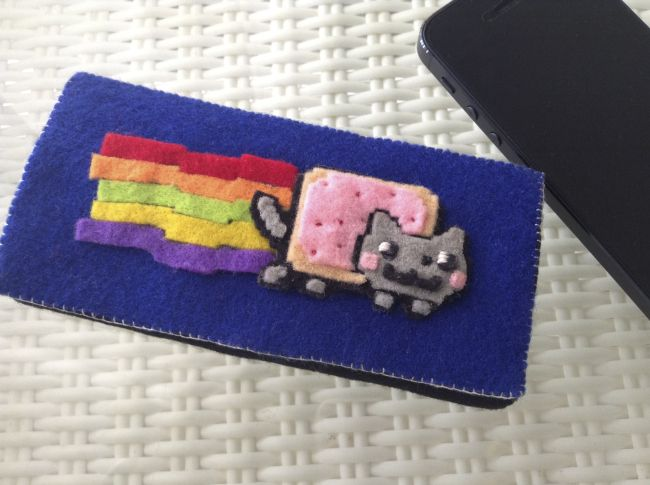 Nyan Cat Handmade Mobile Pouch