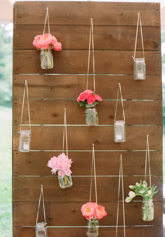 flower repetition, very girly and modern but with a vintage look. it is creative. #weddingflowers