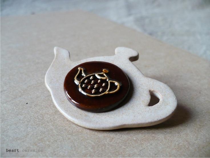 brosă ceramică de beakeramia Breslo