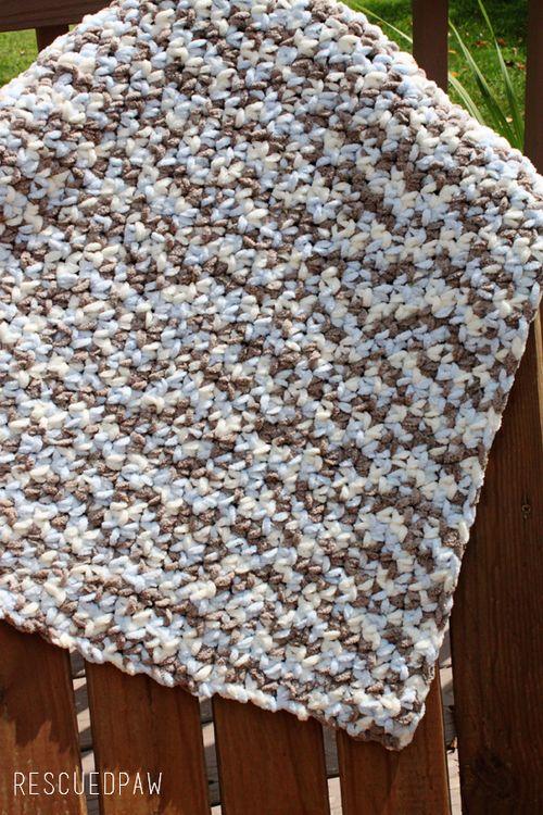 Baby blanket simple crochet using bernat blanket yarn