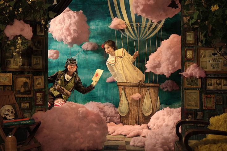 Maleonn is a wicked artist from Shanghai who is not only an awesome photographer, but a creator of elaborate theatrical scenes – and an absolute mastermind of color.