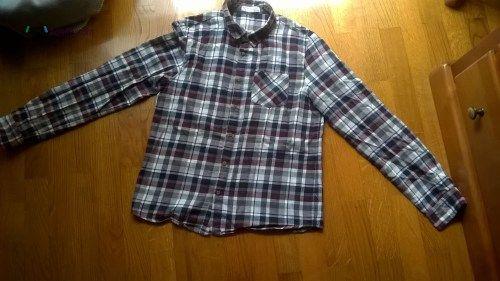 Camisa de Flanela - LEFTIES - PORTES GRÁTIS Vendo Camisa de Flanela - LEFTIES Cor: Cinzento, vermelho, azul,branco Tamanho: 11-12 anos 152cm Em bom estado. Envio por correio normal. Possibi...