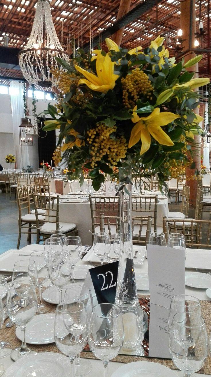Centro de mesa, Tiffany con colores amarillos