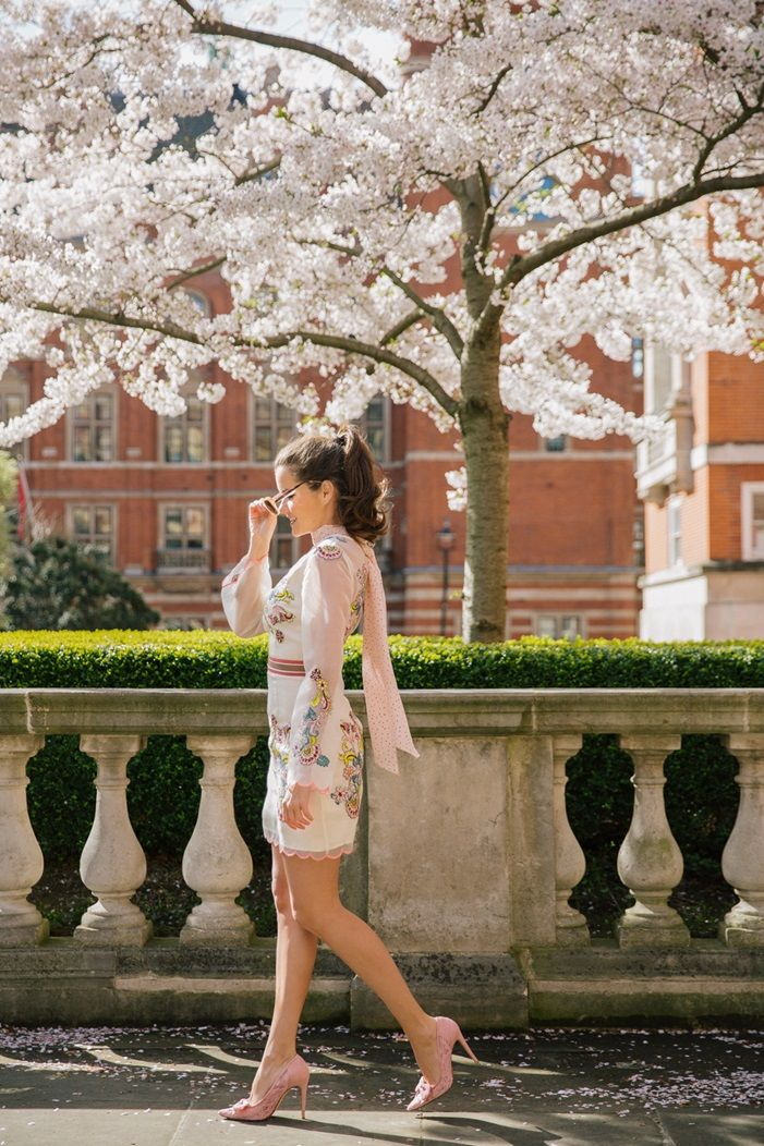 Rosie Londoner gives us some wedding guest style inspiration in this gorgeous ensemble