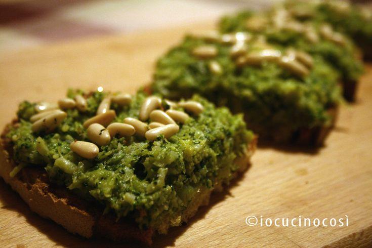 Bruschetta con crema di broccoli e acciughe   Ricetta antipasto