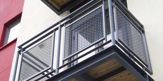 Woven wire metal railings exterior balcony