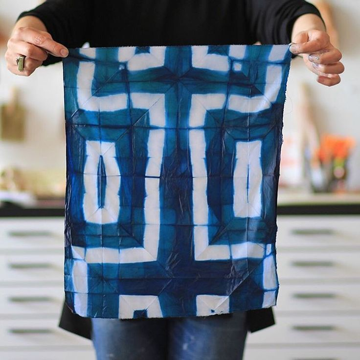 Our last Indigo & Shibori workshop of the season: Saturday 09/05! Come learn the art of folded/clamped/stitched resists and the magic of that deep blue dye with @mcmazlow. Beautiful piece in the photo by our friend and fashion designer @ancliffe She took one class with us, then went on to create an entire collection of stunning garments, naturally dyed and patterned through shibori techniques. Check out her work! #indigo #shibori #naturaldyes #surfacedesign #wildcraftstudioschool