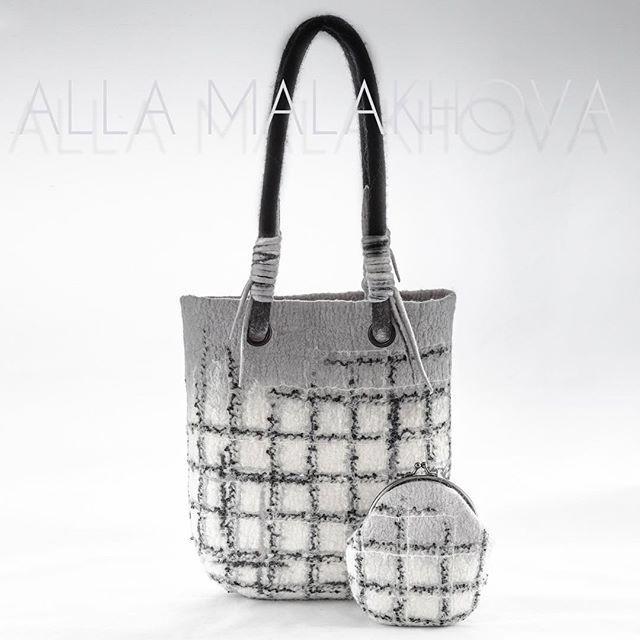 Стильная, удобная, вместительная, современная! Валяная сумка ручной работы с кошелечком в комплекте.  По мотивам любимых тканей от Шанель. Цена 11900  руб. Единственная! Handmade art felted bag with pretty purse of merino wool,silk fibers and yarn. #artfelting #felting #verynicebag #feltedbag #merino #silk #стильнаясумка #design #artstyle #оченькрасиваясумка #валянаясумка #женскаясумка #сделаноруками #шёлк #handmade #ручнаяработа #fashion #shopping #кошелек #purse #limini_podarki