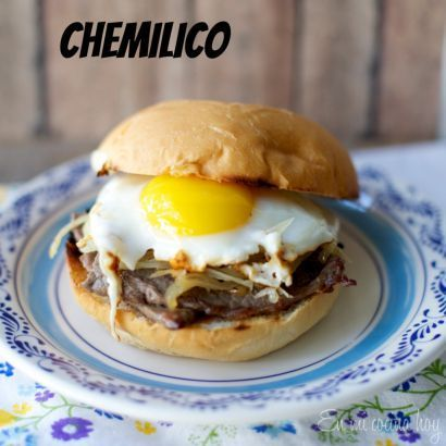 Chemilico - A traditional Chilean sandwich: a thin steak, sautéed onions, and a sunny side up egg. Recipe in Spanish and English.