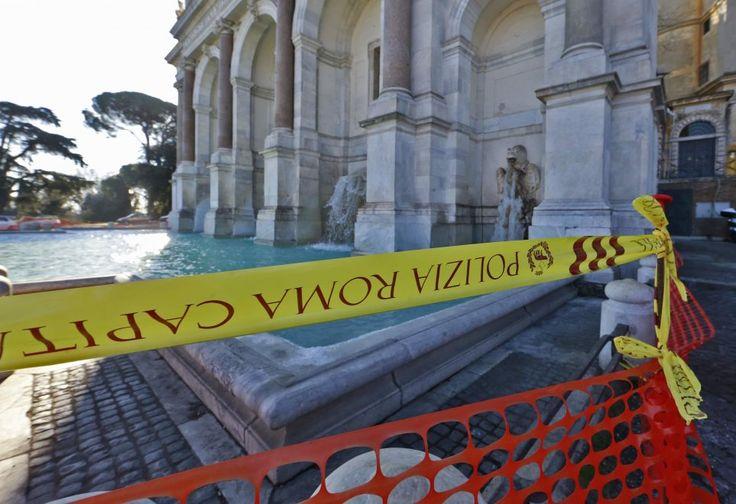 Roma, Fontanone del Gianicolo transennato dopo la bravata sull'acqua ghiacciata