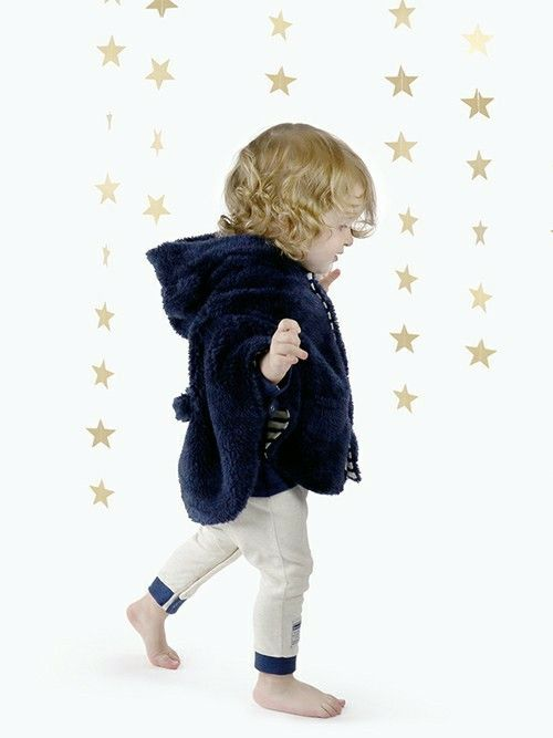 モデル:身長82センチ 着用サイズ ベビーフリー<br>  贈り物に大人気のマント!!ふわふわのボア
