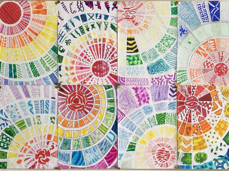 Gekleurde cirkels. Gemaakt door groep 8 van obs de Wilgenhoek uit Haarlem