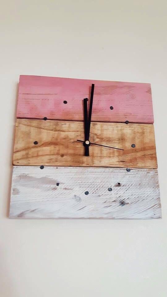 Recuperado el reloj de pared madera rosa y crema reloj de