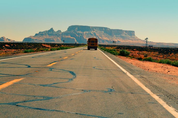 💬 Get this free picture school bus road pavement     🆓 https://avopix.com/photo/19421-school-bus-road-pavement    #school bus #landscape #road #sky #pavement #avopix #free #photos #public #domain