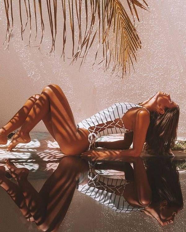 Como Tirar fotos Sozinha Em Casa: +20 Dicas Imperdíveis 1 | Model poses photography, Fotos de biquíni tumblr, Fotografia de poses na praia