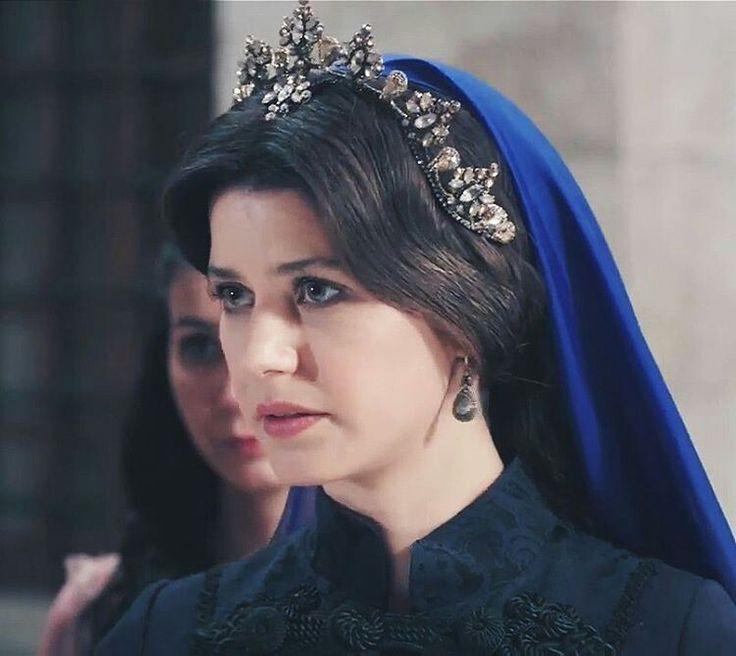 Beren Saat as Kösem Sultan