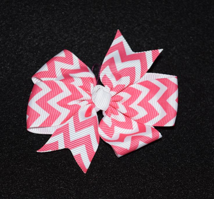 Small Chevron Bow, Dark Pink/White