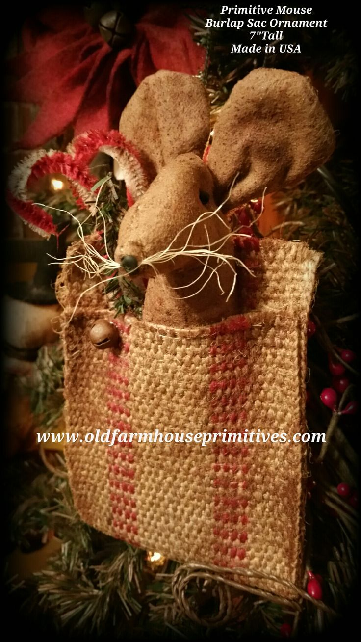 Primitive christmas ideas to make - Primitive Mouse In Burlap Sac Ornament Could Use A Prim Snowman And To Make A Sac Use Burlap Ribbon Cut Folded And Glued Together Hot Glue Works Well