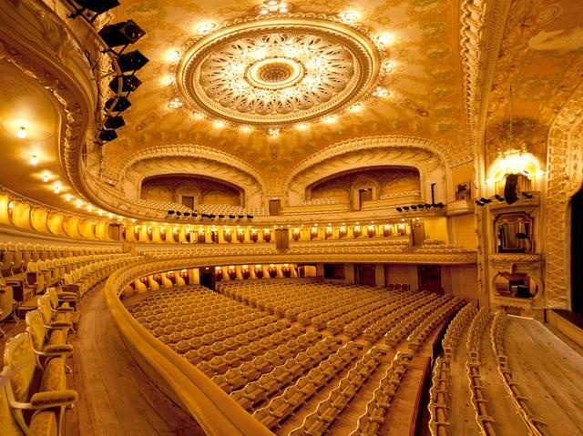 French news - Holidays in the Auvergne: The opera house in Vichy