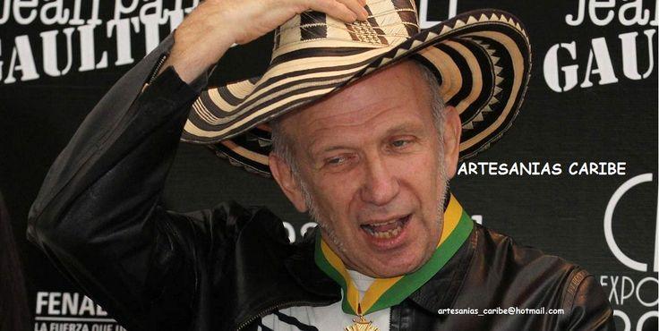 """En el Cali Exposhow, estuvo presente el prestigioso diseñador de talla internacional, Jean Paul Gaultier. Donde recibió un bello sombrero vueltiao 27 vueltas. """"Ya estoy en Cali - Colombia """", dijo Jean Paul Gaultier apenas se puso el sombrero vueltiao.   Realizamos envíos nacionales e internacionales. Para pedidos contactarnos: artesanias_caribe@hotmail.com o Envíanos la solicitud de amistad y déjanos un INBOX. Síguenos también en: @artesaniascarib Hashtag: #quieromisombrerovueltiao"""